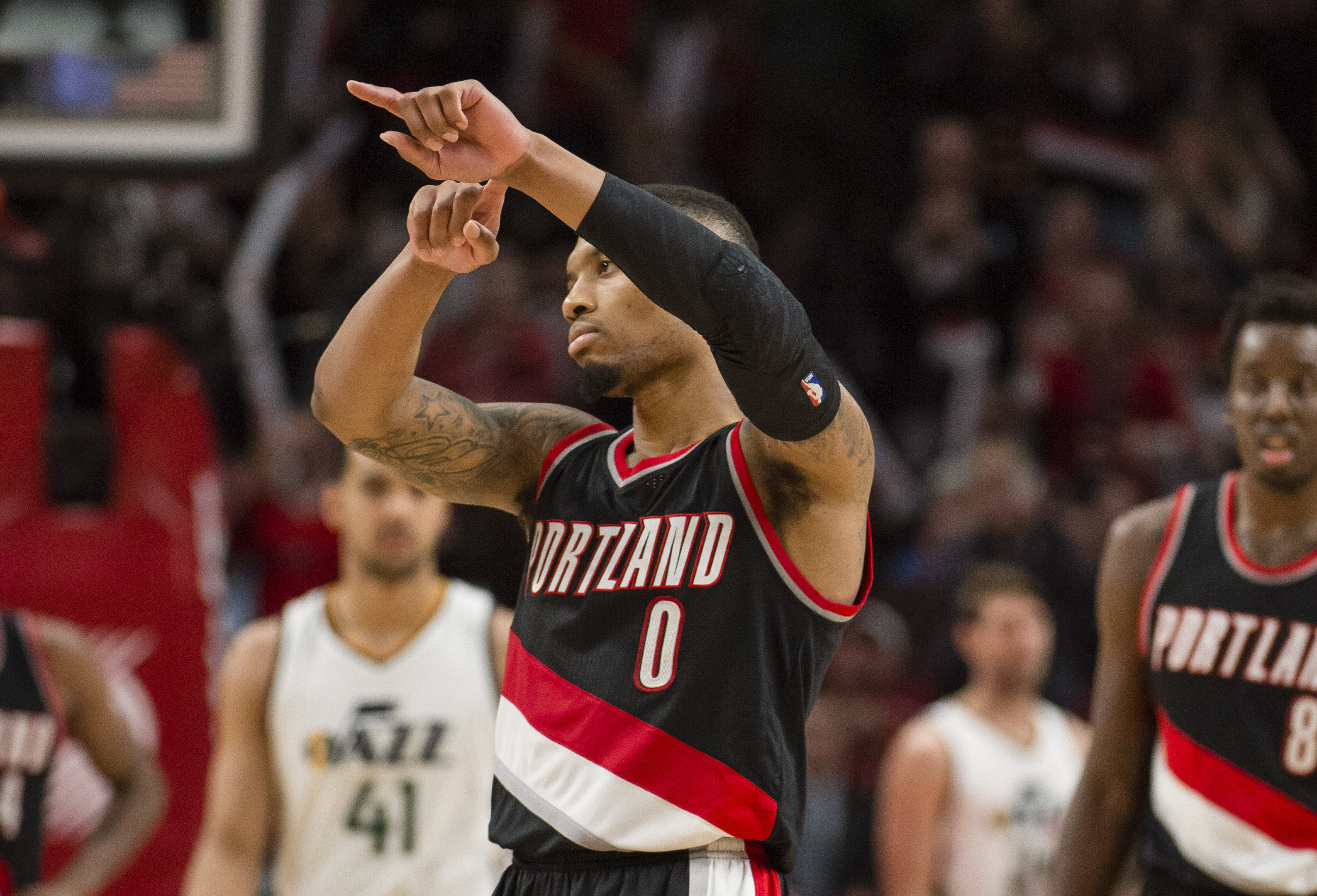 Damian Lillard Scores Career High 59 Points in Win Over Jazz